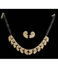 Conjunto collar y pendientes Coralina y Caracolas. Joyas Precolombinas Eliana Tovar