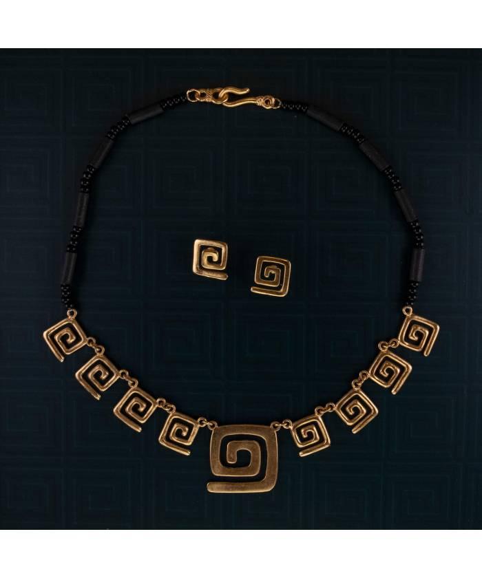 GL8S49+ETS Conjunto de collar y pendientes precolombinos Círculo de la Vida y Coralina baño de oro 24K